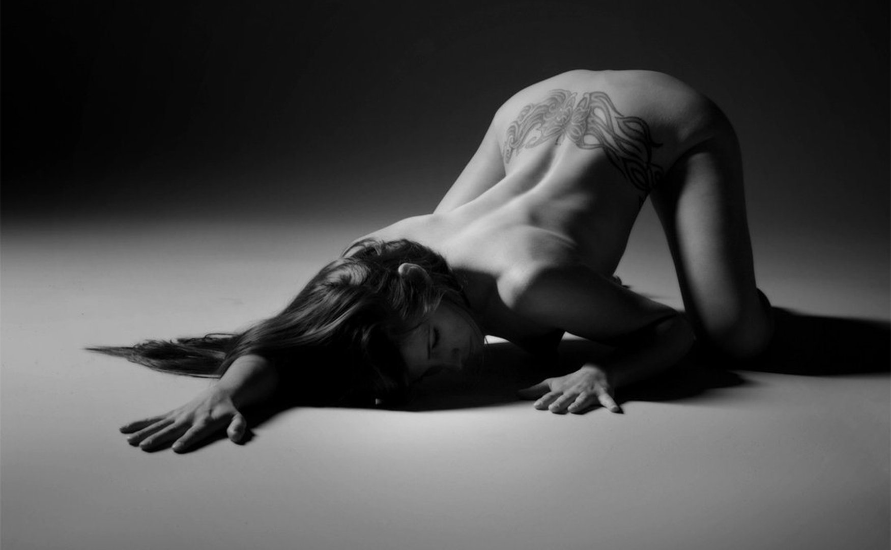 Here's What You Need to Know About Being Submissive in Bed